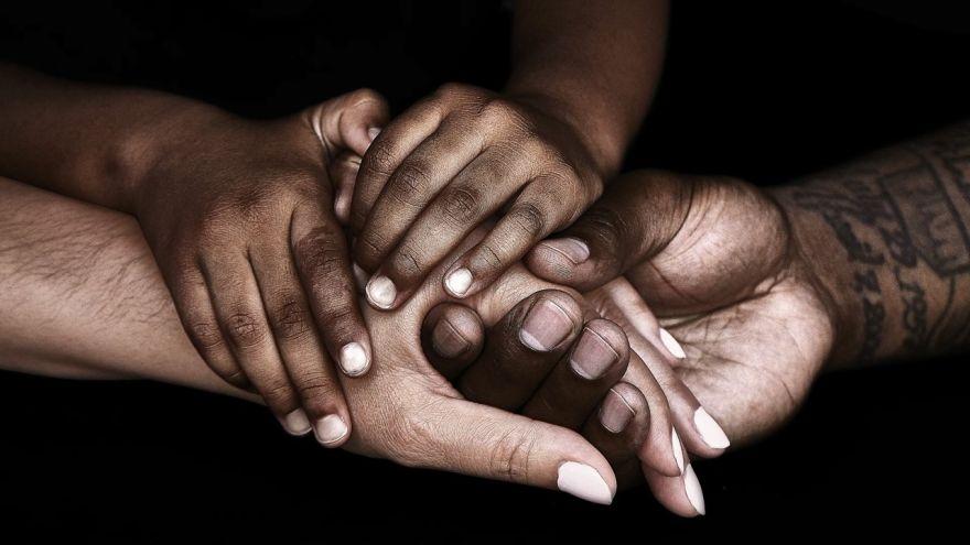 Diversity image - hands 880